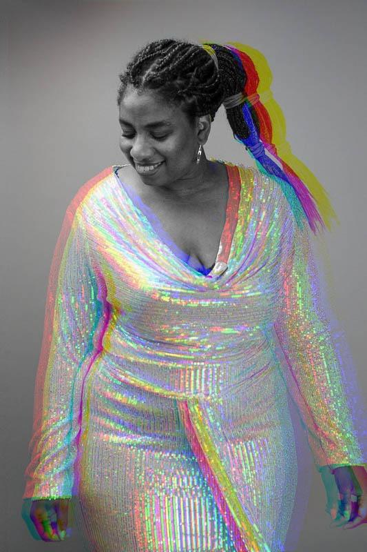 portrait photo moderne et dynamique d'une femme qui s'assume par Velvet Studio Photo Paris